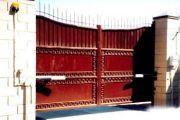 Виды, изготовление и установказасовов для ворот своими руками