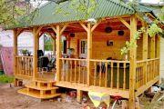 Оборудуем деревянное крыльцо в частном доме своими руками