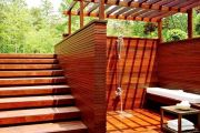 Строим душевую кабину на даче из дерева или металла своими руками